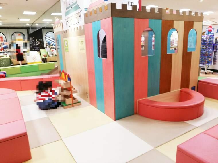 東急百貨店5階プレイルーム